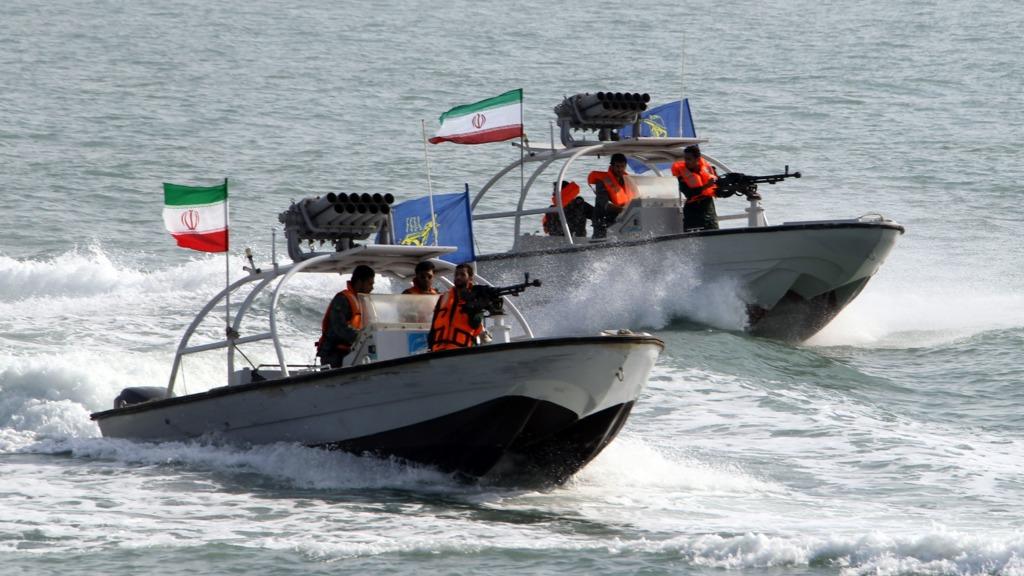「伊朗霍兹木海峡」的图片搜寻结果