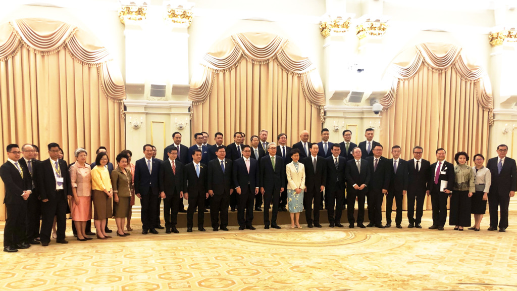 泰國和香港政府官員和兩地商界代表合照。(工總提供圖片)