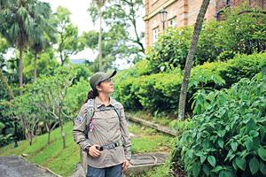 方荔茹本身是普通打工仔,退休後發展第二人生成為生態導賞員。(被訪者提供)