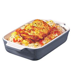 「燒雞扒雞皇芝士焗飯」由雞皇汁加上芝士炮製,嫩滑多汁。